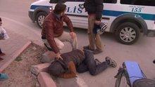 Hırsızı kovaladı, yakaladı, polise teslim etti