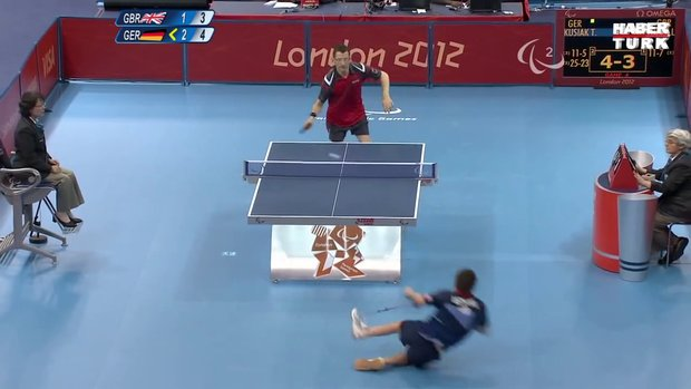 Paralimpik masa tenisi maçında efsane hareket!