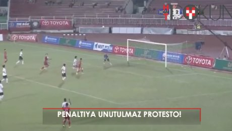 Penaltıya 'sırtı dönük' isyan!