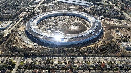 Apple yeni kampüsü Apple Park'a taşınıyor
