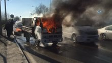 Kamyonet alev alev yandı, sürücüsü canını zor kurtardı