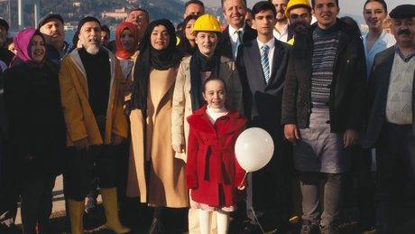 """İşte AK Parti'nin yeni referandum şarkısı """"Evet İle Güçlü Türkiye"""""""