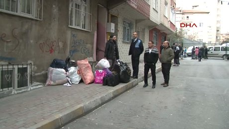 Bağcılar'da metro çalışması yakınındaki 4 bina boşaltıldı