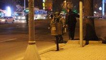 Kayseri'de bomba imha uzmanını görenler görüntü çekmeye koştu