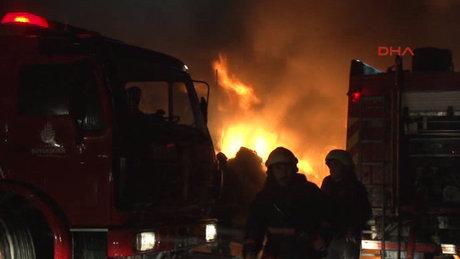 İstanbul'da Ambalaj Atığı Aktarma Tesileri'nde yangın çıktı