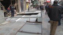 Şişli'de kaldırımda yürüyen bir kişinin üzerine kepenk düştü