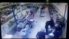 Bıçaklı silahlı market soygunu