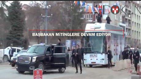 Başbakan Kırşehir'de miting arası Merkel'le görüştü