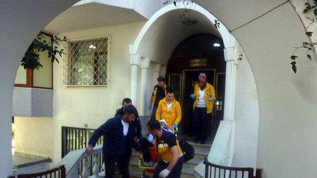 Polisten kaçarken merdivenlerden düştü