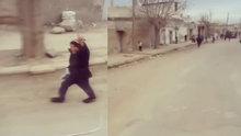 Türk askeri El Bab sokaklarını Mehter Marşı ile inletti