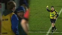 Top toplayıcı çocuğa sarı kart verdi