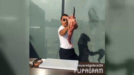 Nusret eti bıçakla havada yakalayıp şov yaptı!