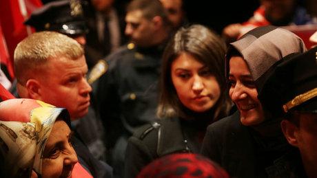 Bakanı Kaya, New York'ta Türk vatandaşları tarafından coşkuyla karşılandı