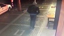 Sokak ortasındaki infaz güvenlik kamerasında
