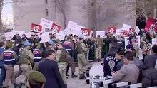 Ömer Halisdemir davasında adliye önünde protesto