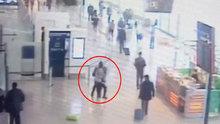 Paris'teki Orly Havalimanı'ndaki saldırı anı