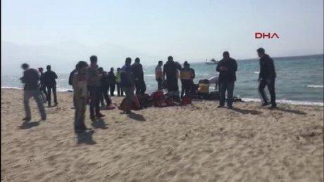 Kuşadası kaçakları taşıyan bot battı