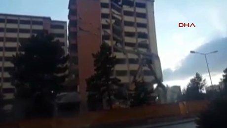 Sivas'ta vatandaşı korkutan yıkım