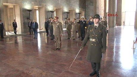 Romanya Genelkurmay Başkanı Anıtkabir'i ziyaret etti