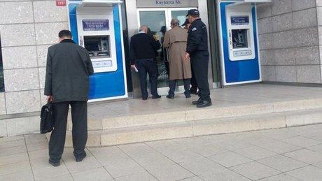 Pendik Kaynarca'da banka soygunu girişiminde 2 kişi yaralandı