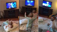 Animasyon izleyip canlandırma yapan bebekler