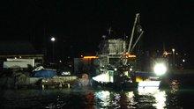 Yangın çıkan balıkçı teknesini sahil güvenlik kurtardı