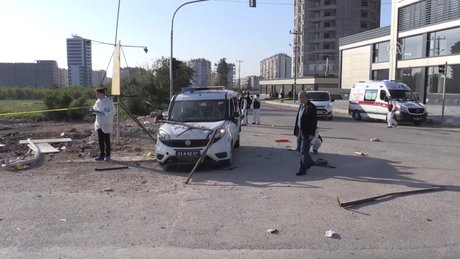 Mersin'de polis ekip aracına bombalı saldırı: 2 yaralı