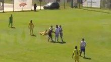 Portekizli futbolcu hakemi bayılttı!