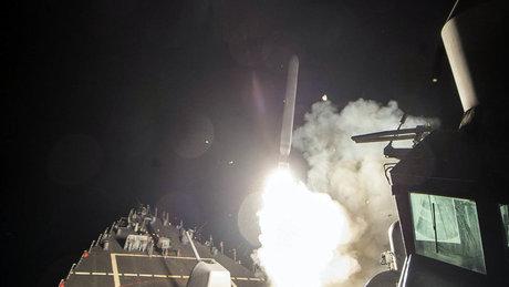 ABD, Suriye'yi füzelerle vurdu! Pentagon saldırıya ilişkin görüntü yayınladı