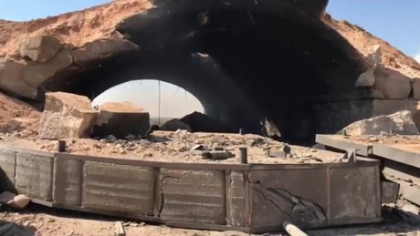 ABD'nin Suriye'de vurduğu hava üssünden ilk görüntüler