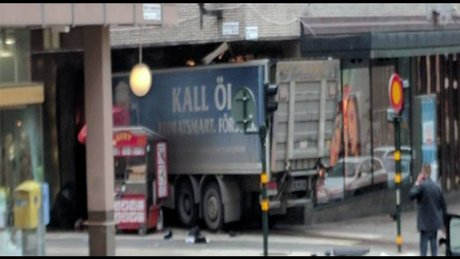 İsveç'te kamyonlu saldırı!