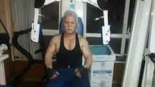 Rizeli 70 yaşındaki Mustafa Aydın vücut geliştirme sporu yapıyor