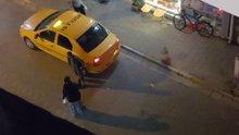 Kocasını sokak ortasında dövdü!