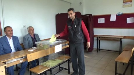 Kuşu halkı 3 yıl sonra oy kullandı