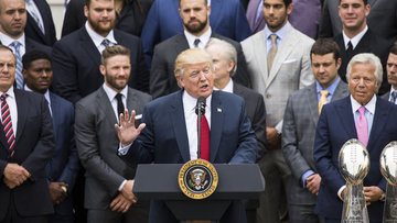 Trump'ı protesto ettiler