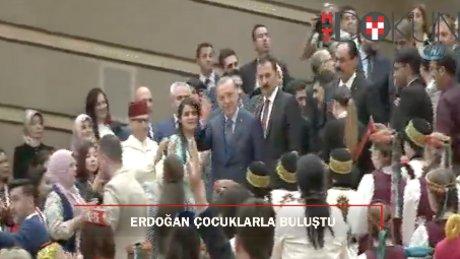 Erdoğan: 'Çocuklar büyüyünce daha güzel bir dünyanın inşasına katkı sağlasın istiyoruz'