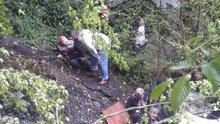 Zonguldak'ta minibüs uçuruma yuvarlandı