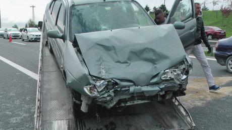 TEM'de feci kaza! Yaralılar var