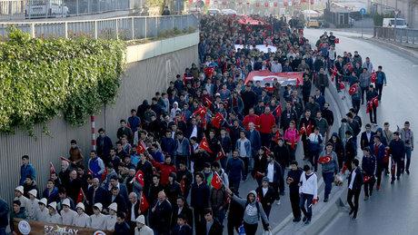 İstanbul'da gençler, 57'nci Alay şehitleri için yürüdü