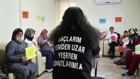 """4 yıldır uzattığı saçlarını """"kanser hastaları"""" için kestirdi"""