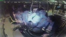 Otobüse binen kadın şoförü bıçakladı