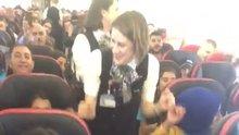 THY uçağında hosteslerle halay çektiler