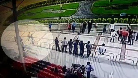 Adana Hipodromu'nda uçan tekmeli saldırı kamerada