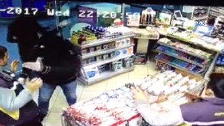 Şişli'de akaryakıt istasyonuna silahlı soygun kamerada