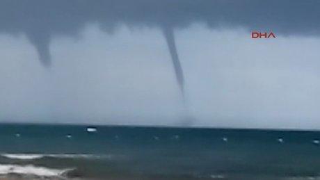 Antalya Manavgat'ta denizde oluşan 4 hortum panik yarattı