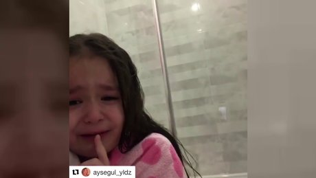 İbrahim Tatlıses'in kızı Elif Ada, Atatürk için ağladı