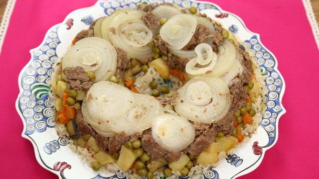 Kek Kalıbında Sebzeli Pilav