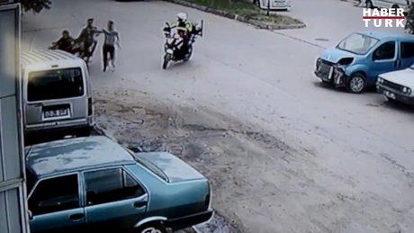 Polisi karşısında görünce böyle kaçtılar