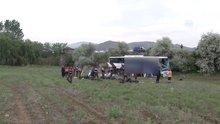 Kalecik'te yolcu otobüsü devrildi