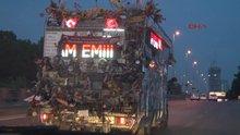 İlginç karavan İstanbul sokaklarında